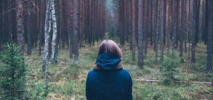 """""""Érdekes paradoxon, hogy amikor képes vagyok elfogadni magam  olyannak, amilyen vagyok, akkor válok képessé a változásra."""""""